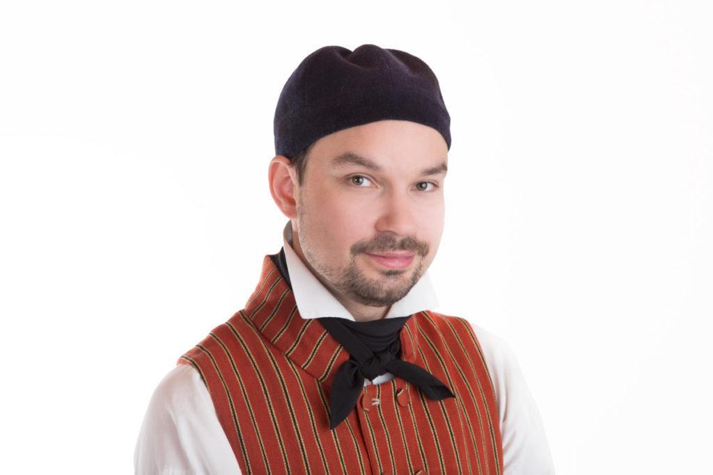 Juvan miehen puvun päähine