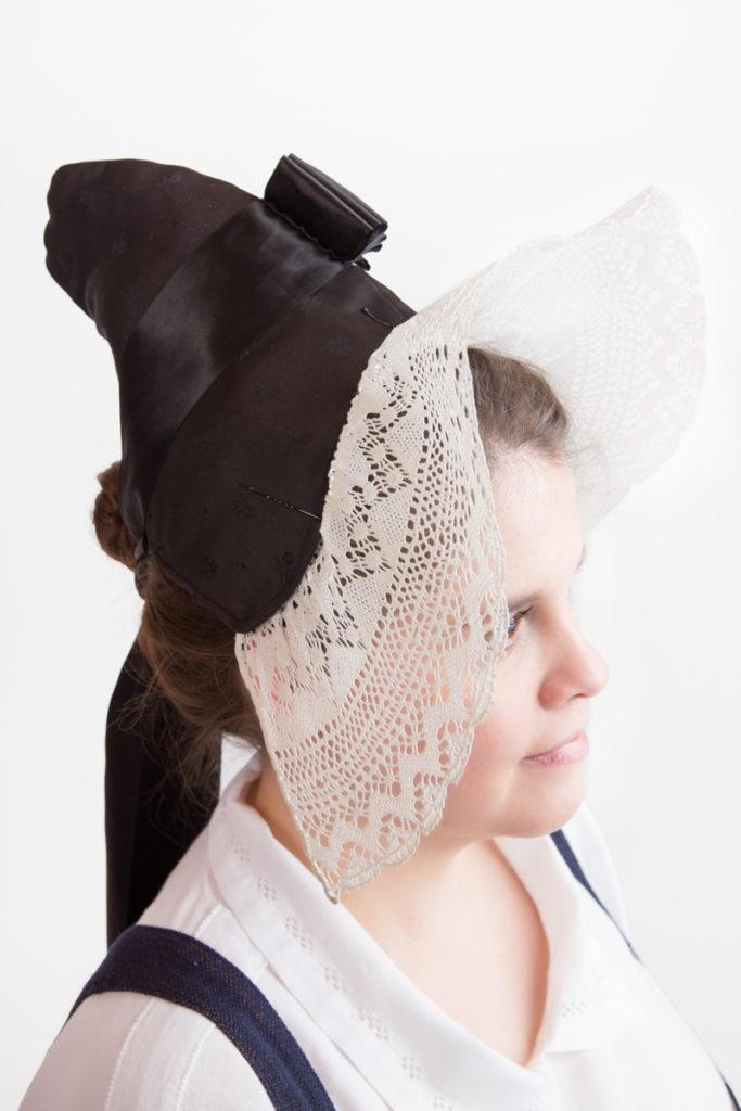 Mäntsälän naisen kansallispuvun päähine