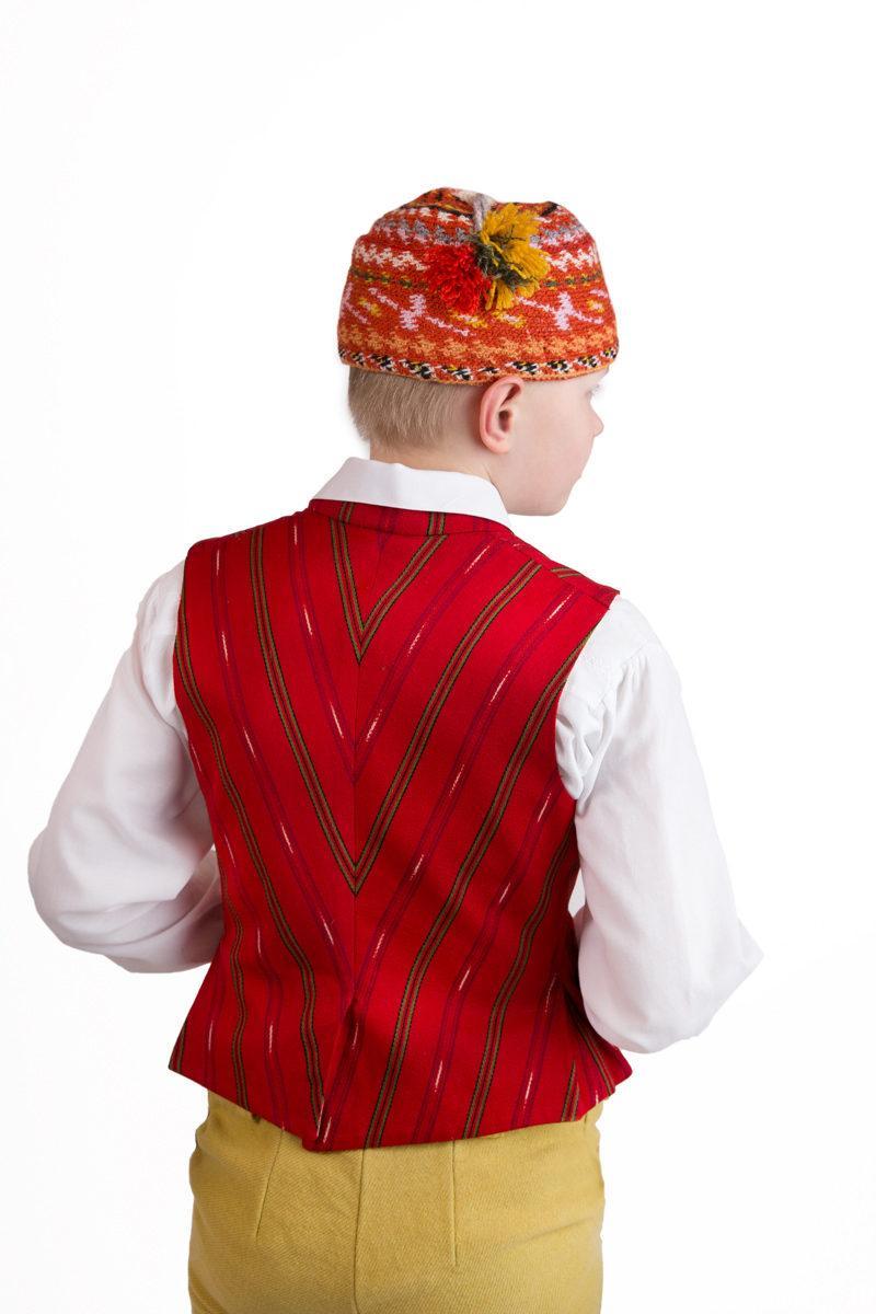 Säkylän pojan puvun päähine
