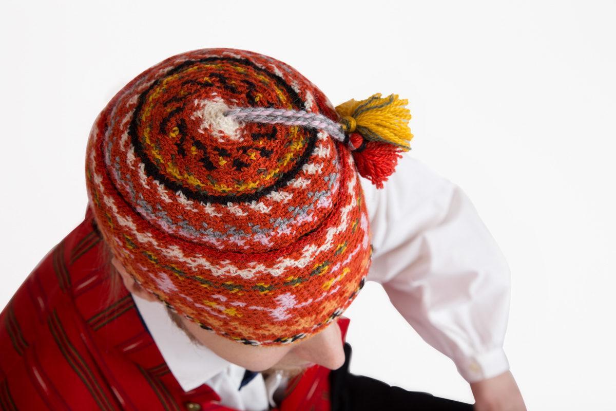 Säkylän miehen puvun päähine